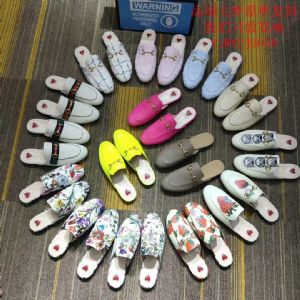 *男女鞋子.服装.厂家货源,名牌鞋批发商,一件代理